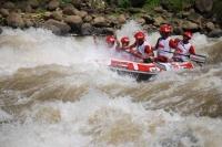rs-270406-adiseno-tim-indonesia-1-meraih-peringkat-dua--down-river-race-di-sungai-progo-email.jpg